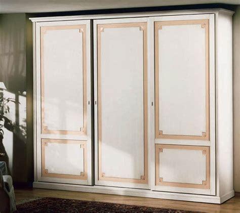 Holzschrank Schlafzimmer by Lagerung Schr 228 Nke Kleiderschr 228 Nke Klassische Stil Luxus