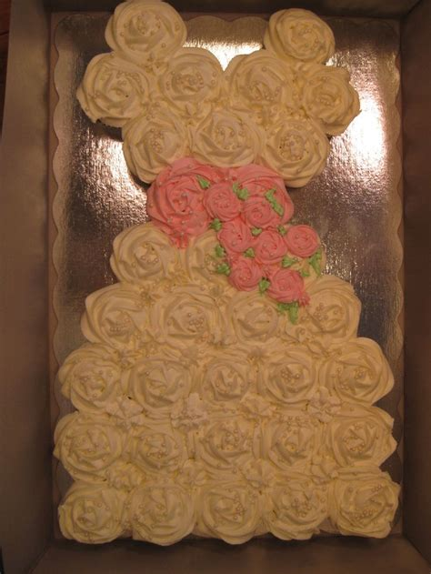 pull apart cupcake cake for bridal shower 17 best images about cupcake cake on pull