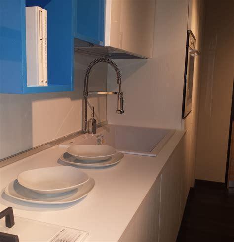 cucine nuove in offerta nuova esposizione cucine 65 modelli in offerta abita