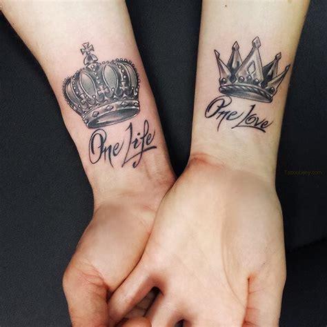 crown tattoo letter tattoo life love quotes tattoo pin von mostafa mone auf tatoo pinterest partnertattoo