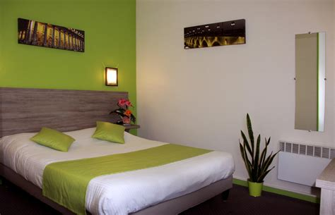 chambre confort 224 grand lit ou lits jumeaux et bain
