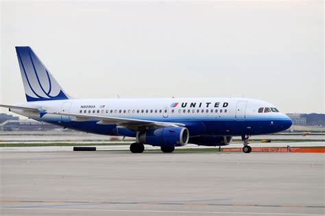 united flight united airlines flight overheats over ocean near