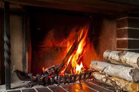legna x camino come sistemare la legna per il camino non sprecare