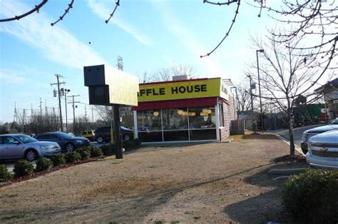 Waffle House American Restaurant 722 S Gloster St In