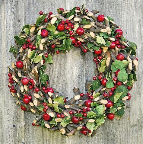corone natalizie da appendere alla porta ghirlande natalizie originali