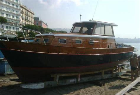 gozzo cabinato in legno gozzo cabinato in legno pi 249 barche