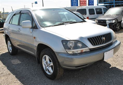 toyota harrier 2000 used toyota harrier suv 4wd 2000 model in silver 2 tone