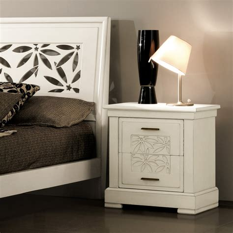 comodino in legno comodino in legno bianco effetto anticato calisto