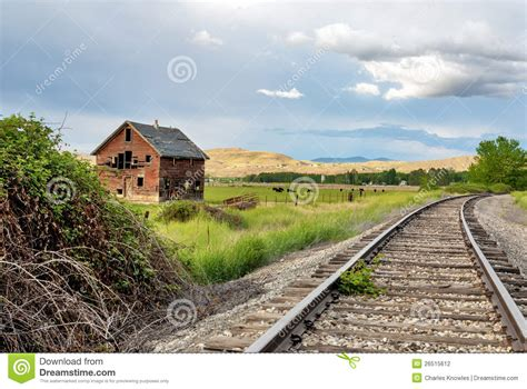railroad house old house and railroad tracks stock photography image 26515612