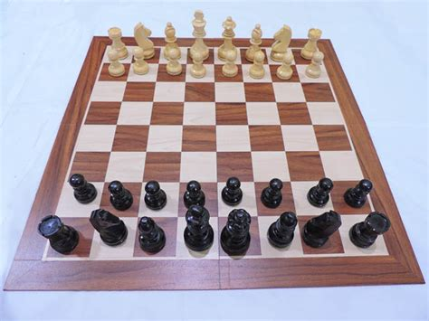 Papan Permainan Catur Gulung Chess Sekak Grandmaster Bidak Skak Middle chess max untuk konsentrasi catur maksimal toko permainan catur jual papan catur jam