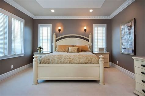 paint ideas for a beveled quot tray ceiling quot master bedroom lift