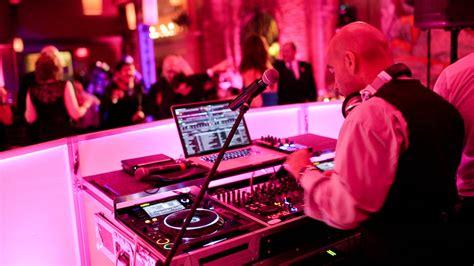 choosing your wedding band or dj 2014 wedding tips