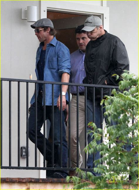 Background Check New Orleans Brad Pitt Checks Up On New Orleans Photo 2475884 Brad Pitt Pictures Just Jared