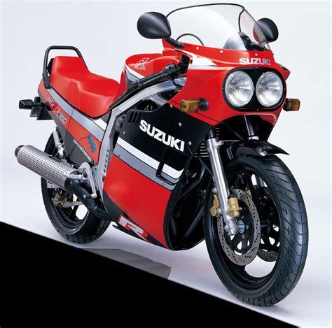 010816 suzuki gsx r750 1985 13 black red diagonal