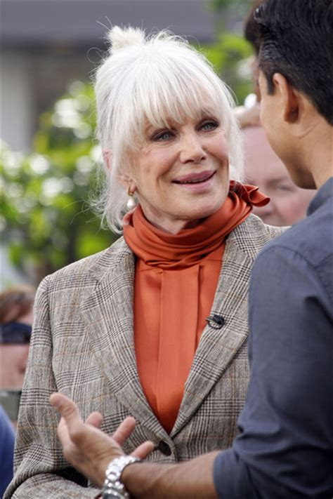 linda foster wikipedia linda evans tapes extra at the grove zimbio