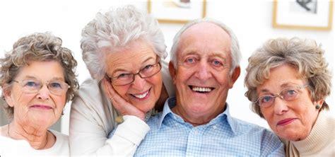 imagenes de viejitos alegres adulto mayor factores que influyen para tener una vejez