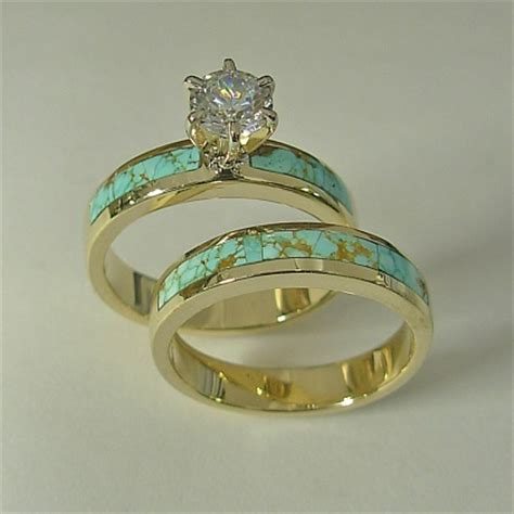14 karat yellow gold wedding set with