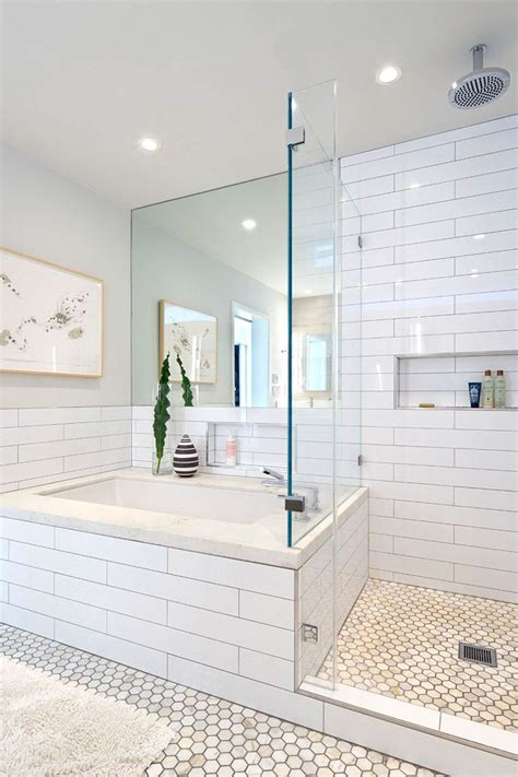 Bathroom White Subway Tile by 25 Best Ideas About Subway Tile Bathrooms On