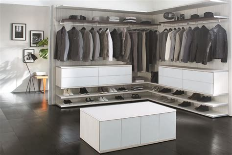 California Closets Wi by Take A Peek Into These Luxury Closets