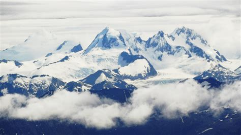 picture of the astonishing andes