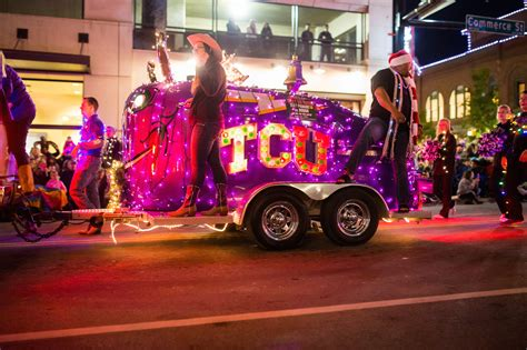 fort worth parade of lights 2017 xto energy parade of lights delivering a postcard to