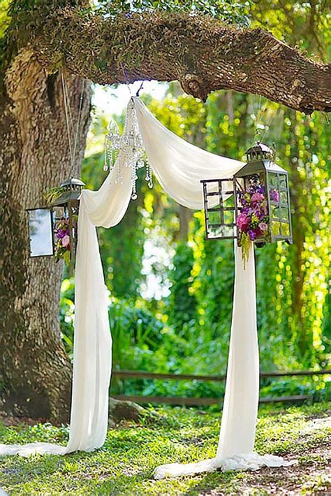How To Decorate A Backyard Wedding by 25 Best Ideas About Backyard Wedding Decorations On