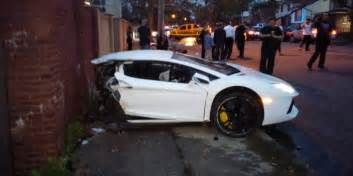 crashed lamborghini veneno lamborghini veneno crash 2017 ototrends