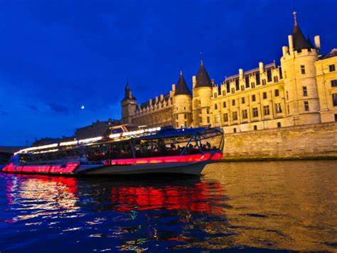 bateau mouche river cruise paris bateaux mouches paris seine river dinner cruise paris