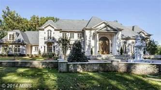 us mansions massive monster mansions america s biggest homes for sale