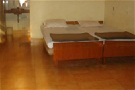 hotel in matheran with bathtub hotel lake view matheran hotel overview ratings