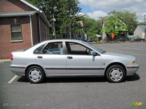 silver volvo s40 silver metallic 2000 volvo s40 1 9t exterior photo