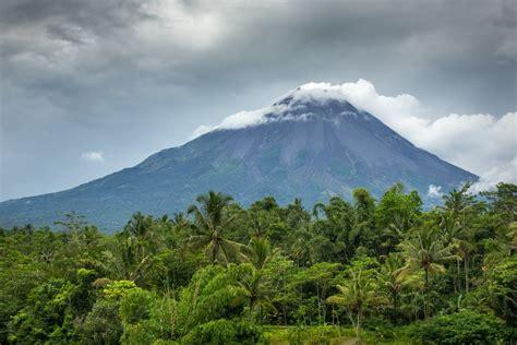 java indonesia  crazy tourist