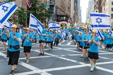 new year day parade nyc thousands of new york jews demonstrate their single