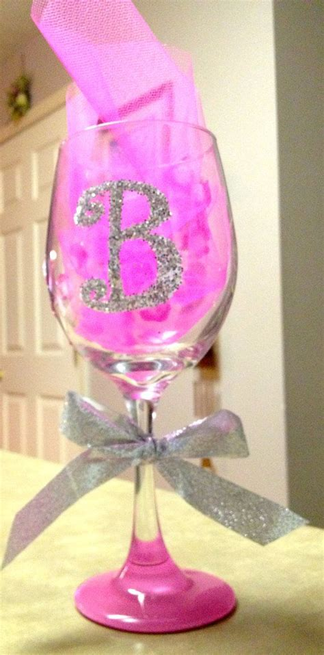 Decorated Wine Glass by 25 Best Ideas About Decorated Wine Glasses On