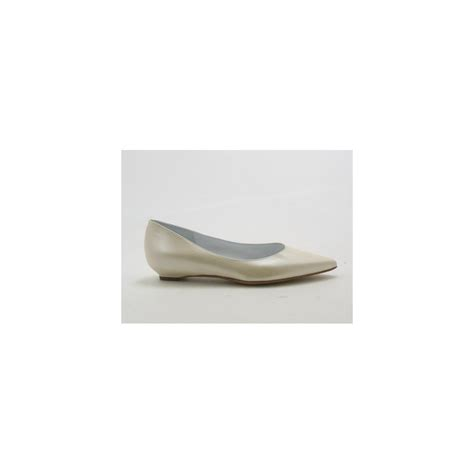 Ivory Leather by Small Or Large Pumps In Metillized Ivory Leather