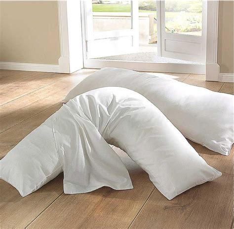 best bed pillows for side sleepers 27 best best design pillows service images on pinterest