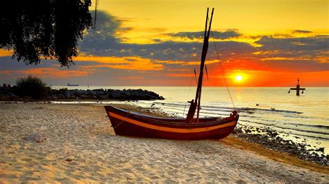 sailboat wallpaper 18 beach sunset sailboats hd wallpapers desktop widescreen