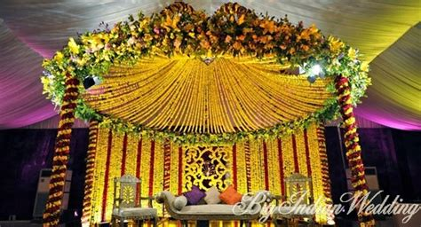 indian wedding flower decoration photos significance of flowers in an indian wedding