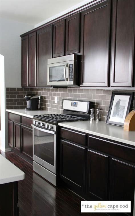 backsplash ideas for dark cabinets and light countertops 7 best mocha cabinet design ideas images on pinterest