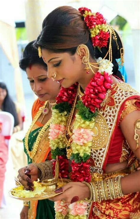 bridal hairstyles with gajra 55 best images about wedding hair makeup accessories on