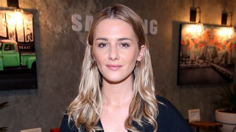 macgyver cast addison timlin lands lead role in macgyver reboot pilot