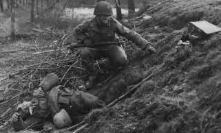 What Does Kia In War Us Army Lt Chester Slaughter Next To A German Kia Half Of