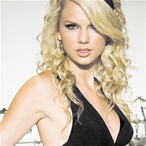 biography of taylor alison swift hollywood taylor swift biography