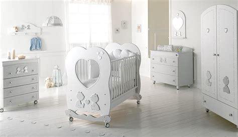 donna gemelli a letto camerette per gemelli come arredare la cameretta unadonna