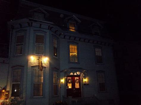 newport bed and breakfast white horse tavern picture of ghost tours of newport newport tripadvisor