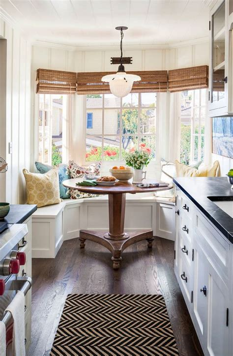 cottage decorating best 25 cottage kitchens ideas on