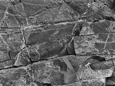 estructura de piedra en color blanco y negro fotograf 237 a de roca de piedra blanco y negro con las grietas en el fondo