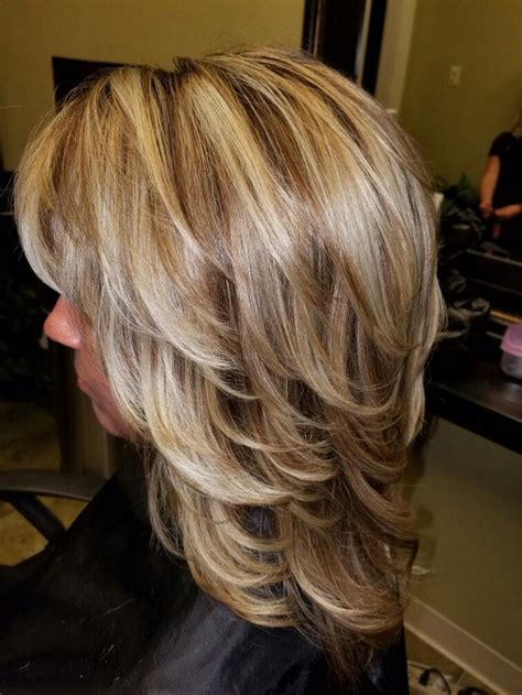 shoulder length hair with layers at bottom best 25 layered hairstyles ideas on pinterest long