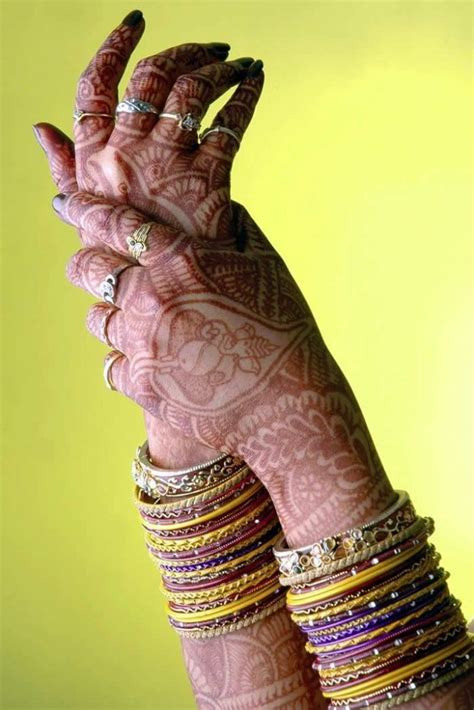 henna tattoo side effect take care as mehndi also has some side effects