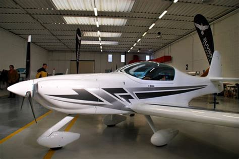 light sport aircraft insurance aerobatic light sport aircraft rolls out aopa